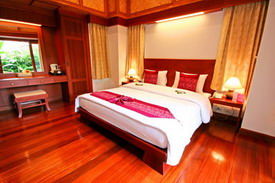 The resort offers a total of 40 deluxe rooms and villas in elegant modern Thai style design complete with a private balcony, separate shower and Jacuzzi bathtub.